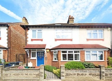 Properties for sale in Eastbourne Avenue - W3 6JN view1