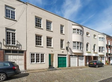 Properties for sale in Eaton Mews South - SW1W 9HR view1