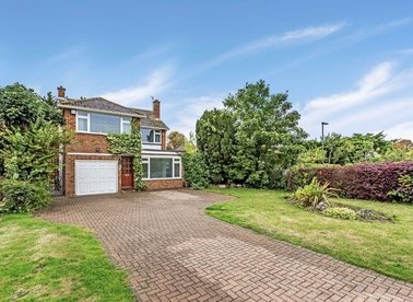 Properties for sale in Elizabeth Gardens - TW16 5LF view1