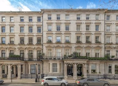 Properties for sale in Ennismore Gardens - SW7 1AA view1