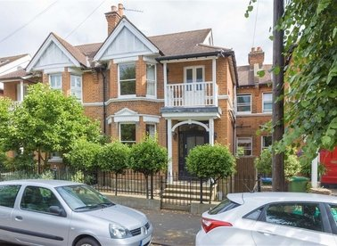 Properties for sale in Feltham Avenue - KT8 9BL view1