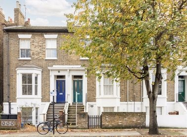 Properties for sale in Forest Road - E8 3BH view1