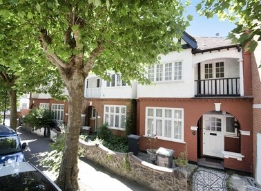 Fortis Green Avenue, London, N2