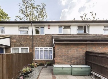 Properties for sale in Frankland Close - SE16 2HD view1