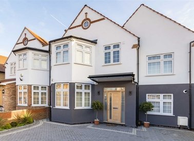 Properties for sale in Glendun Road - W3 7AJ view1