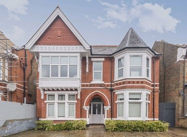 Properties for sale in Gordon Road - W5 2AR view1