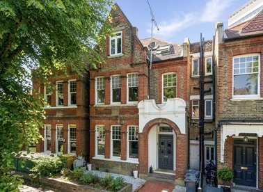 Properties for sale in Grange Road - W4 4DD view1