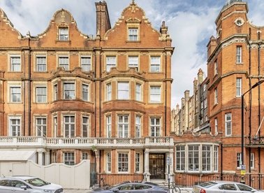 Properties for sale in Green Street - W1K 7AY view1