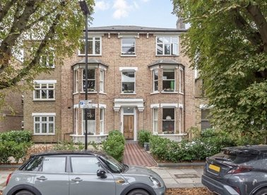 Properties for sale in Grosvenor Road - W4 4EG view1