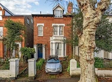 Properties for sale in Heathfield Road - W3 8EL view1