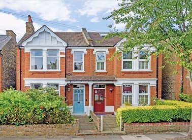 Properties for sale in Hereford Road - W3 9JW view1
