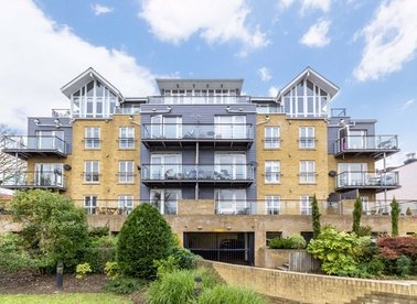 Properties for sale in High Street - TW8 0DT view1