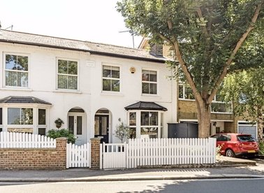 Properties for sale in High Street - TW12 2SJ view1