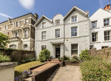 Properties for sale in Highgate West Hill - N6 6NP view1