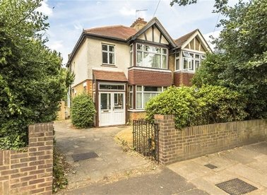 Properties sold in Holly Bush Lane - TW12 2QS view1