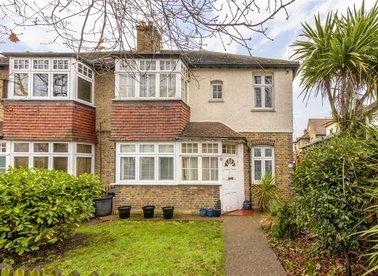 Properties sold in Holly Bush Lane - TW12 2QR view1