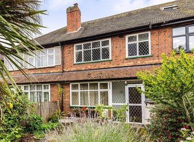 Properties for sale in Holly Bush Lane - TW12 2QT view1
