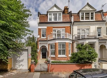 Properties for sale in Hornsey Lane Gardens - N6 5NX view1