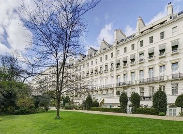 Properties for sale in Hyde Park Gardens - W2 2LT view1