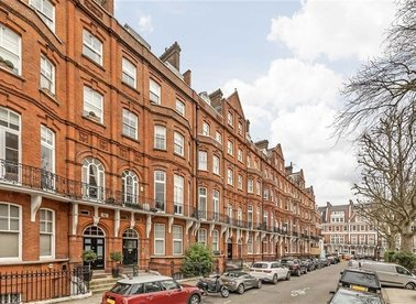 Properties for sale in Kensington Court - W8 5DE view1