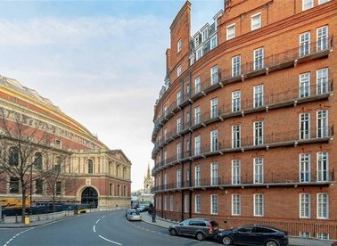 Properties for sale in Kensington Gore - SW7 2AW view1