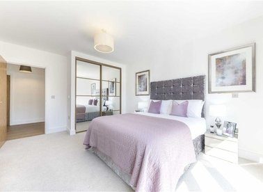 Properties for sale in Kilburn Park Road - NW6 5FQ view1