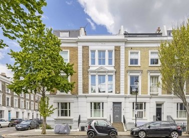 Properties for sale in Ladbroke Road - W11 3NG view1
