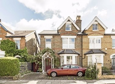 Properties for sale in Larkfield Road - TW9 2PG view1