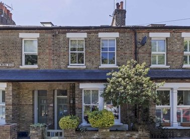Properties for sale in Lateward Road - TW8 0PL view1