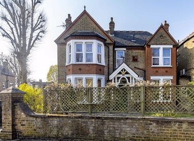 Properties for sale in Leopold Road - W5 3PB view1