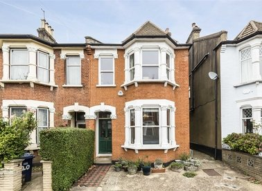 Properties for sale in Lincoln Road - N2 9DL view1