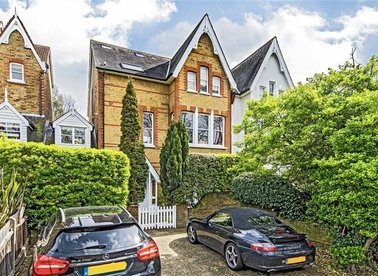Properties for sale in Lion Gate Gardens - TW9 2DW view1