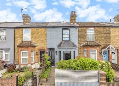 Properties for sale in Lower Mortlake Road - TW9 2LW view1