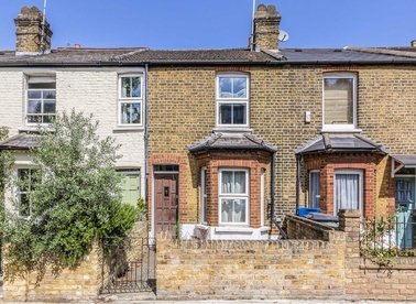 Properties for sale in Lower Mortlake Road - TW9 2LP view1