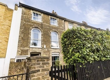 Properties for sale in Lower Richmond Road - SW14 7HH view1