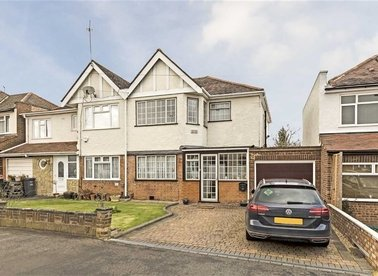 Properties for sale in Lulworth Avenue - TW5 0TY view1