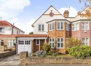 Properties for sale in Lulworth Avenue - TW5 0TZ view1
