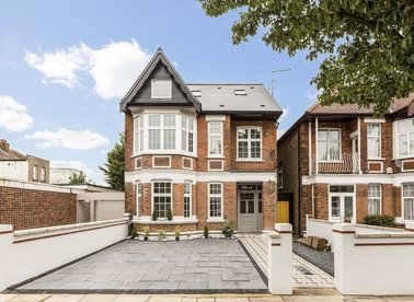 Properties for sale in Lynton Road - W3 9HN view1