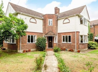 Properties for sale in Manor Gardens - TW12 2TU view1