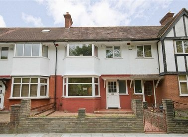 Properties for sale in Manor Gardens - W3 8JU view1