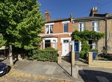 Properties for sale in Mill Hill Road - W3 8JJ view1