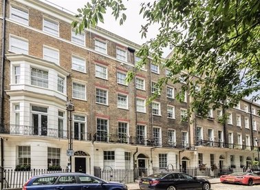 Properties for sale in Montagu Square - W1H 2LP view1