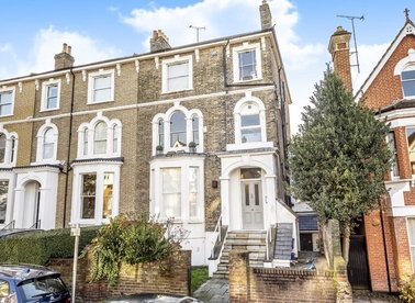 Properties for sale in Montague Road - TW10 6QW view1
