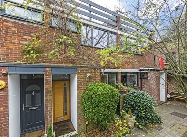 Properties for sale in Netherleigh Close - N6 5LL view1