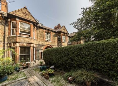 Properties for sale in Newton Avenue - W3 8AP view1