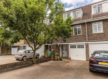 Properties sold in Oak Avenue - TW12 3NR view1
