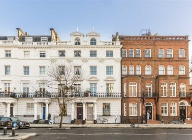 Properties for sale in Oakley Street - SW3 5NT view1