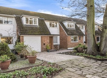 Properties for sale in Old Farm Road - TW12 3QT view1
