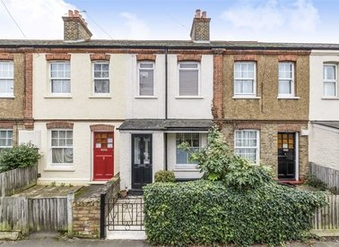 Properties for sale in Oldfield Road - TW12 2AD view1