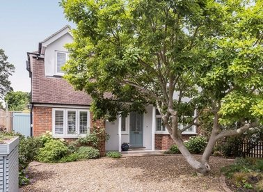 Properties for sale in Ormond Drive - TW12 2TN view1
